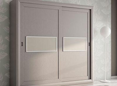 Armario de 2 puertas correderas gris con plafón central