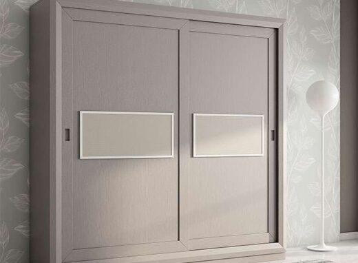 armario gris 2 puertas correderas con plafon central 316AR0011