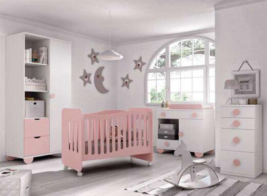 dormitorio blanco y rosa bebe con cuna ruedas comodin cambiador patas 259SM003