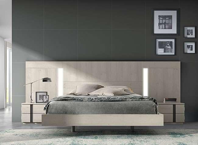 Dormitorio matrimonio compacto con cama flotante, cabecero con luz y 2  mesitas diseño moderno