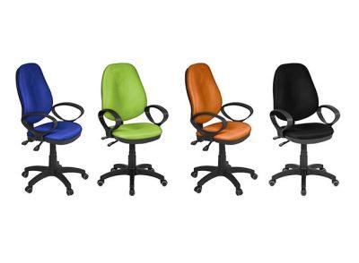 Silla acolchada con brazos y ruedas para escritorio u oficina