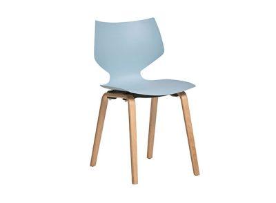 Silla con asiento de polipropileno de una sola pieza y 4 patas de madera de haya
