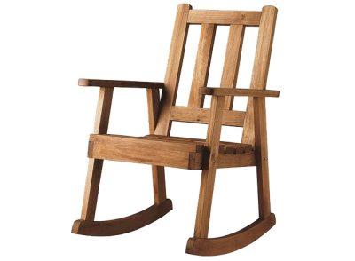 Silla mecedora rústica de madera maciza con brazos