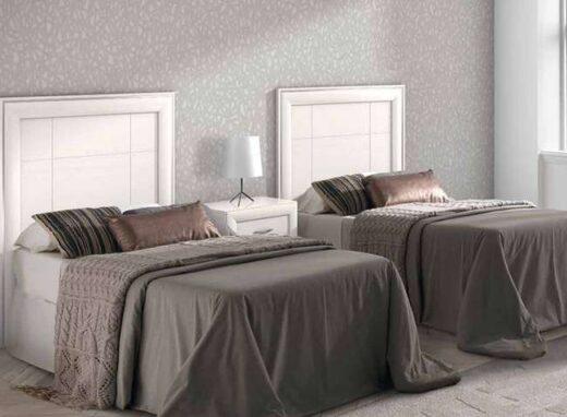 cabecero-cama-y-mesita-rectangular-lineas-rectas-en-blanco