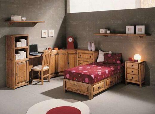 cama-rustica-de-madera-con-cajones-y-mesita-de-noche