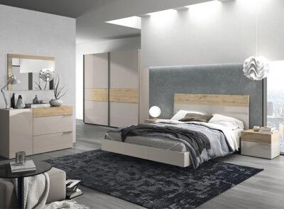 Dormitorio matrimonio en madera clara y blanco con cama flotante (resto del mobiliario aparte)