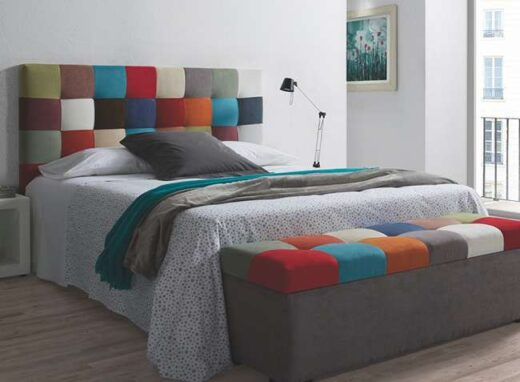 habitaciones-juveniles-cama-matrimonio-cabecero-patchwork