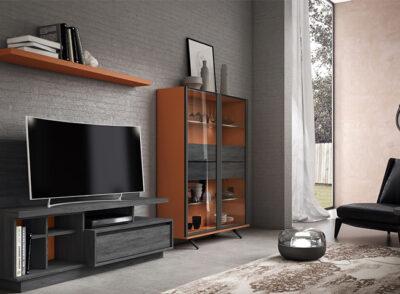 Mueble de salón en negro y madera con modulo bajo + vitrina de doble puerta + estantería colgada
