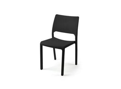 Silla de fibra de vidrio en blanco o negro