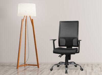 Silla oficina con sistema de balanceo negra