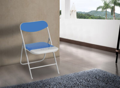 Silla plegable alcochada disponible en varios colores