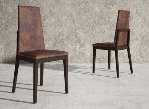 silla-tapizada-de-comedor-madera-estilo-clasico