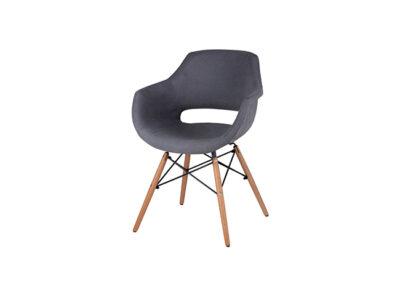 Silla tipo sillón con respaldo de diseño con patas de madera de haya