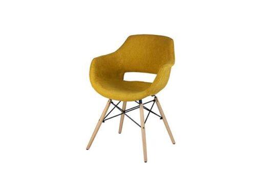 silla-tipo-sillon-respaldo-de-diseno-con-patas-madera-de-haya