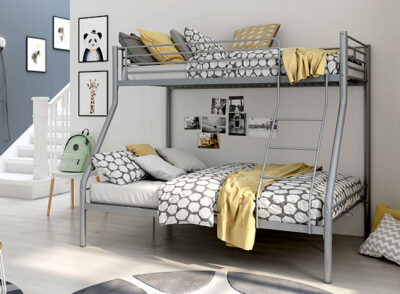 Camas literas juveniles metálicas con cama inferior de matrimonio
