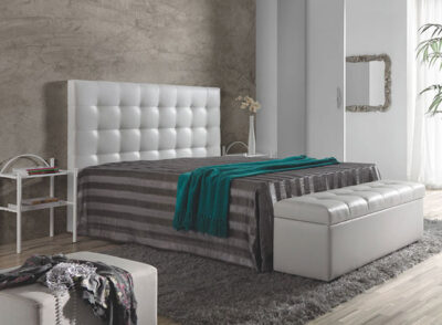 Cabecero tapizado en piel sintética color blanco