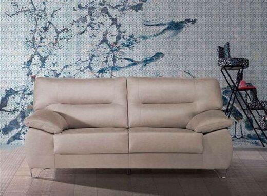 sofa-3-plazas-beige-con-patas-metalicas-de-diseño