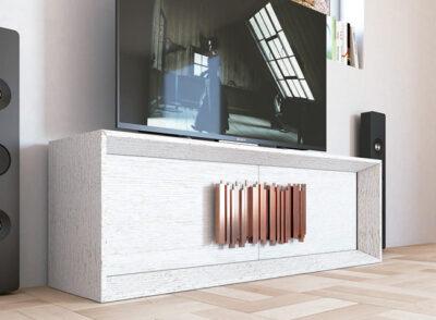 Mueble para TV madera maciza clara y tiradores modernos