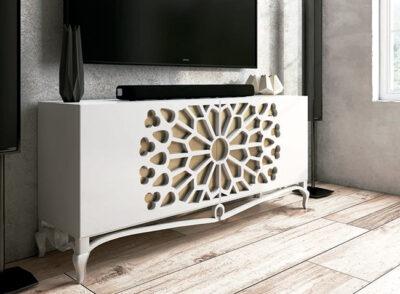 Mueble tv con patas estilo clásico y rosetón central