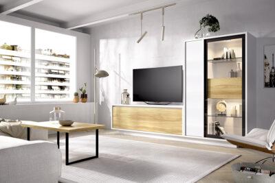Vitrina cristal salón blanco con mueble TV de madera
