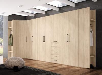Armario vestidor abierto o cerrado de rincón madera clara y blanco