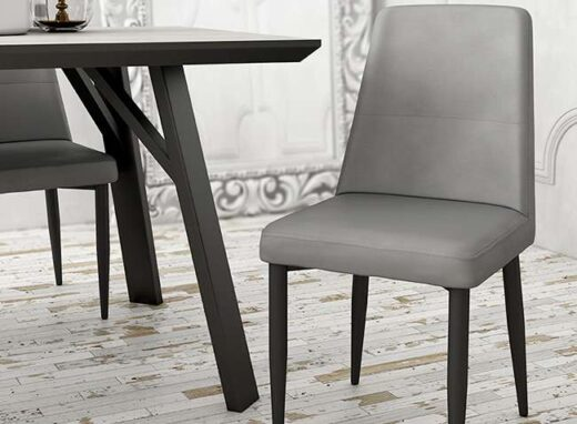 sillas-polipiel-gris-con-patas-metalicas-negras-076lyon