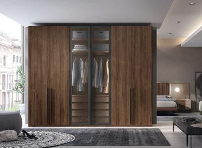 Armarios de seis puertas de madera y cristal