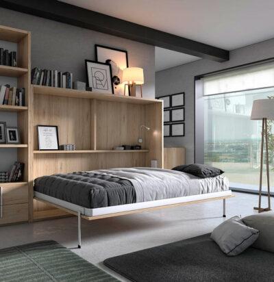 Dormitorios de matrimonio con cama abatible y estanterías