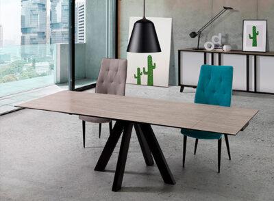 Mesa comedor moderna con patas negras